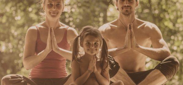 séance de yoga familiale