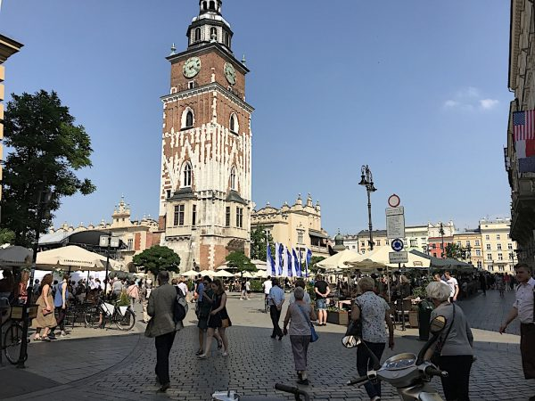 Plus grande place médiévale d'Europe