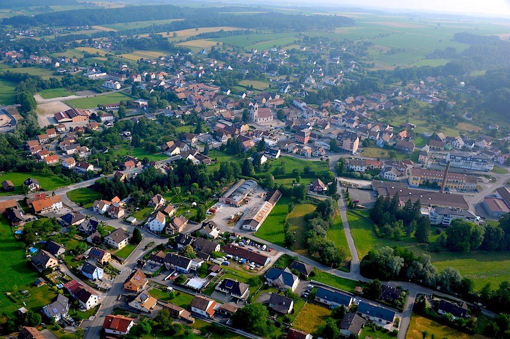 A Waldighoffen : l'église au centre du village